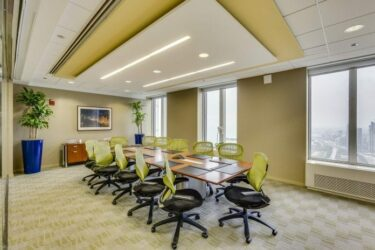 AON-confroom-carr-workplaces-700x464