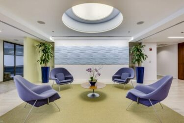 AON-lobby3-carr-workplaces-700x464